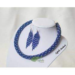 Modrá sada s bílými perličkami