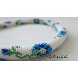 Necklace with cornflowers
